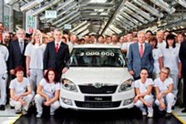 Trojmiliónta Škoda Fabia. Fabia sa vyrába od roku 1999 a na Slovensku sa predalo už vyše 150 000 týchto kompaktných vozidiel.
