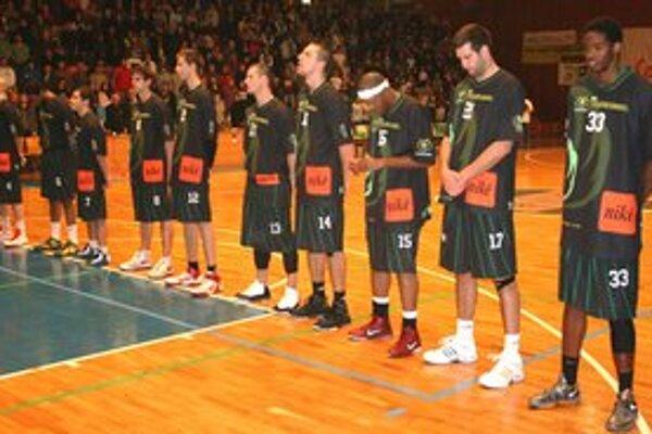 Basketbalisti BC Prievidza svojich fanúšikov v Banskej Bystrici nepotešili.