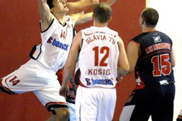 Slávia TU ostáva v prvej lige. Košickí basketbalisti do najvyššej súťaže nepôjdu.
