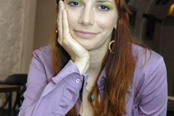 Herečka a speváčka. Dorota Nvotová.