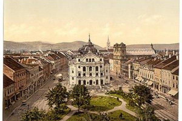 Ako prvé so znižovaním počtu úradníkov začali Košice a Kežmarok.