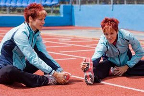 Dvojičky. Jana Velďáková (vľavo) bude sestre Dane (vpravo) na majstrovstvách sveta chýbať.