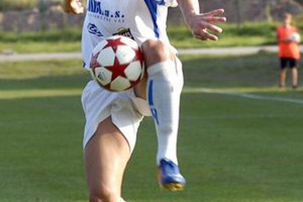 Martin Dupkala sa  v ostatnom kole podieľal tromi gólmi na vysokom víťazstve Lokomotívy.