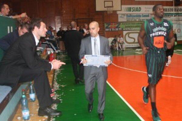 Raúl Martín Jimenéz (v strede), vľavo Martin Blaho.