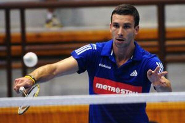 Český reprezentant Petr Koukal. Víťaz mužskej dvojhry. Vo finále nedal šancu Poliakovi Paczekovi.