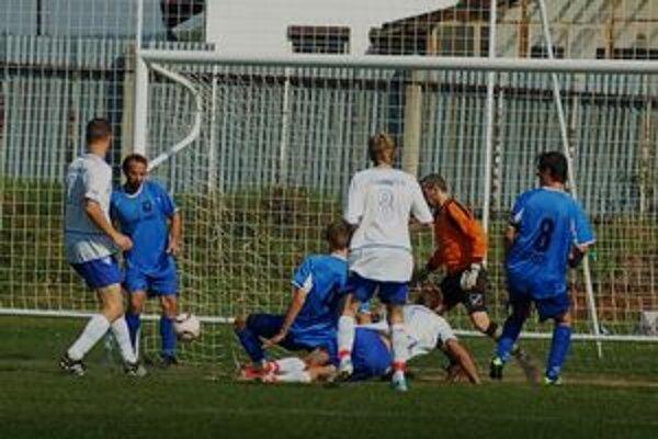 Prvý gól. Z vypracovanej gólovej akcie Hrabušice góly nedávali, len po štandardných situáciách.