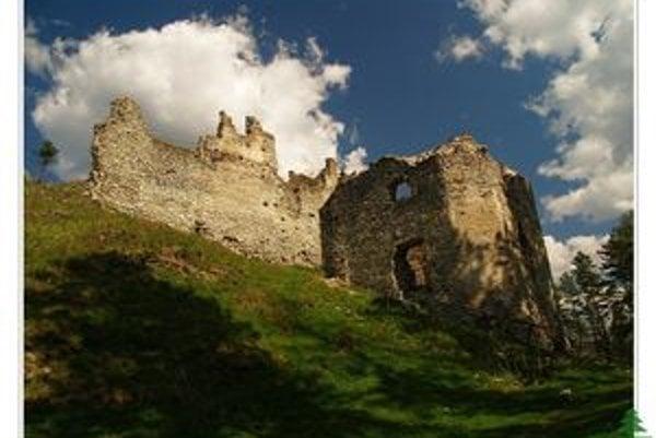 Už niekoľko storočí opriadajú hrad Sklabiňa vo Veľkej Fatre viaceré pozoruhodné legendy.