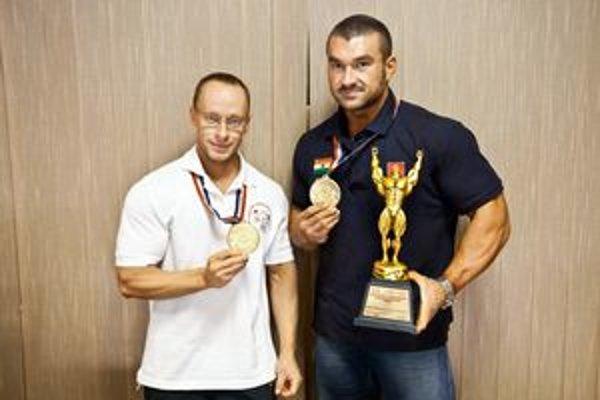 Úspešní. Dvaja zlatí – Rastislav Solár (vpravo) a Igor Kočiš.