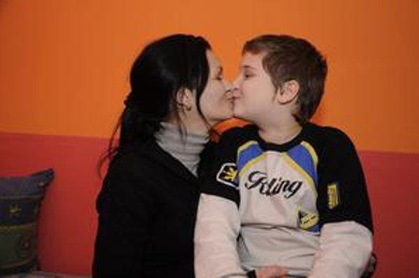 Materinská láska. Vladimíra žije len pre svojho syna.