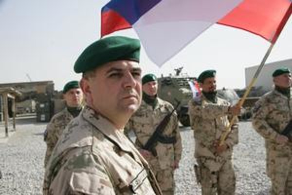 Major Funtál. S nastúpenou jednotkou počas návštevy prezidenta.