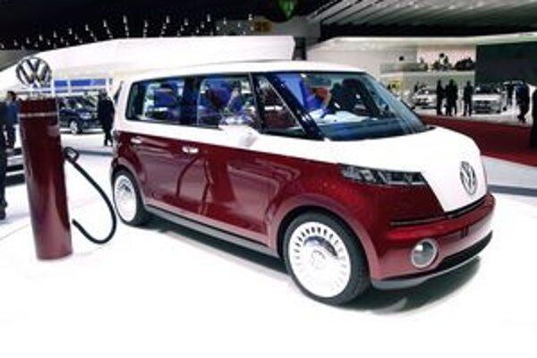 Štúdia Volkswagen Bulli. Štúdia svojimi tvarmi pripomína pôvodný model Transporter spred 60 rokov.