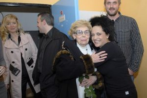 Druhá mama. Pani Edita Margitová je pre Lucku ako druhá mama. Musela ju teda zoznámiť aj so svojou láskou Petrom.