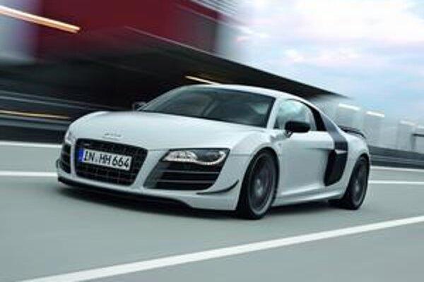 Superšportové Audi R8 GT. Všetky funkcie predných svetiel zabezpečujú svietiace diódy (LED).