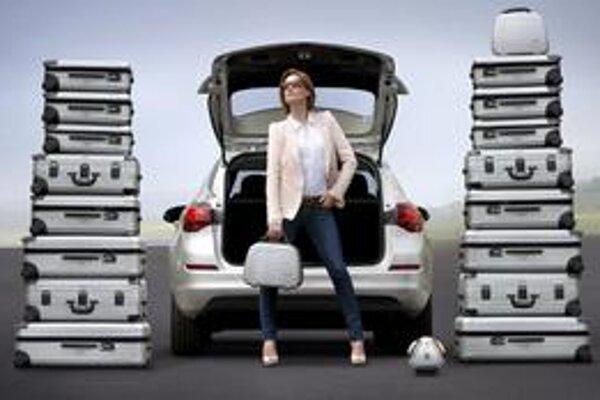 Veľký batožinový priestor. Sklopením zadných sedadiel sa objem batožinového priestoru zväčší na 1 550 litrov.