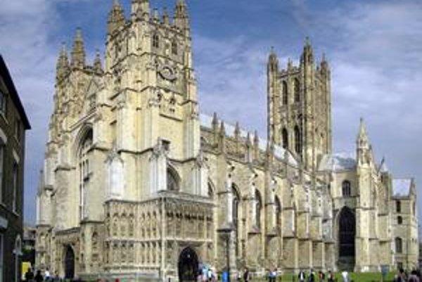 Pohľad na katedrálu. Katedrála je sídlom arcibiskupa, ktorý je cirkevnou hlavou anglikánskej cirkvi.