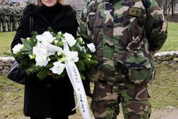 Manželia Farkašovci v Hejciach spomínali na 42 vojakov, ktorí zahynuli pri leteckom nešťastí.