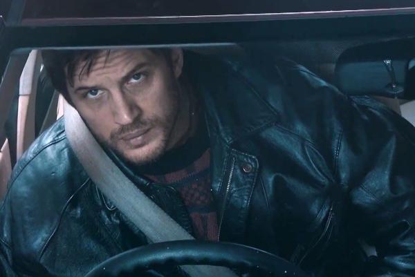 Tom Hardy ako podozrivý taxikár.