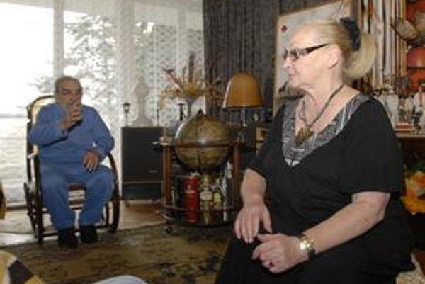 Manželia Hanákovci. Základom dobrého manželstva je podľa pani Hanákovej porozumenie, tolerancia a spoločné záujmy.