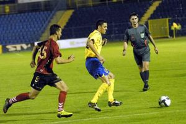 Minulosť? U. Matič (vpravo) v žltom drese MFK Košice.
