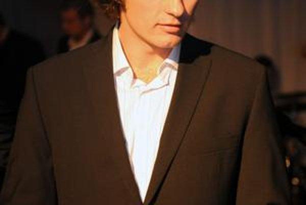 Staronový víťaz. Anketu Mokrá lopta 2009 úplne ovládol Peter Nižný, bral až tri sošky.