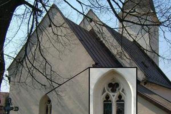 Kostol v Orkucanoch. Stavba od východu s detailom okenného otvoru.