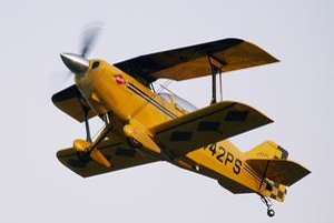 Akrobatické lietadlo Pitts S-2C. Prvá verzia Pittsovho lietadla vzlietla už v roku 1944.
