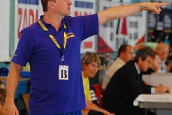 Roman Lamač zaknihoval s oslabeným družstvom víťaznú majstrovskú premiéru.