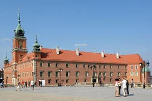 Južné krídlo zámku. Zámok bol v druhej svetovej vojne úplne zničený.