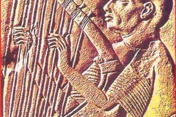 Slepý hudobník. Detail zo steny chrámu v Sakkáre v Egypte, ktorú ozdobuje tri tisícročia.