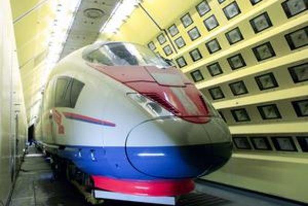 Takéto súpravy budú jazdiť medzi Moskvou a Petrohradom.