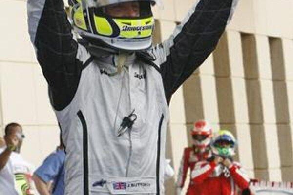 Víťaz. Jenson Button bol na VC Bahrajnu najrýchlejší.