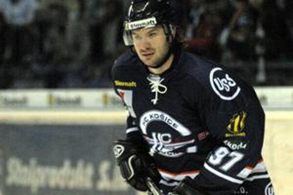 Ostáva. Stanislav Gron podpísal zmluvu na tri roky.