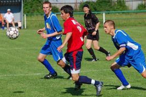 Domáce zaváhanie. Futbalisti Topolian doma prehrali s Veľkým Šarišom, čím stratili cenné body v boji o záchranu