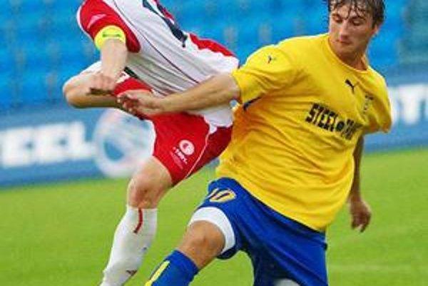 Stanislav Cuprišin. Každý zápas medzi seniormi je pre mladú krv prínosom.