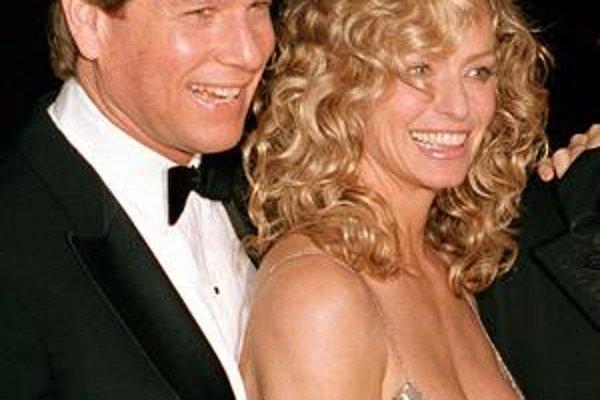 Farrah Fawcett a jej dlhoročný partner Ryan O'Neal.