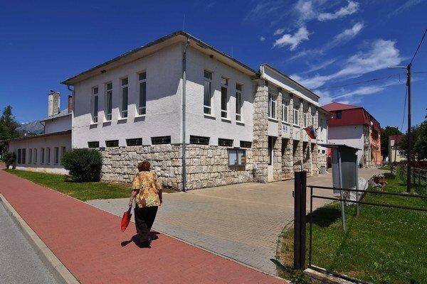 Obecný úrad v Spišskej Teplici.