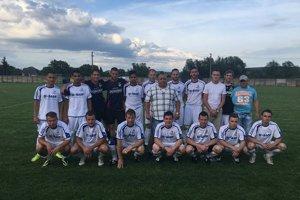 Mužstvo FK TJ Lokomotíva ŠM Michaľany. Štvrtoligovú súťaž sa im zachrániť nepodarilo, vpiatej lige Zemplínskej chcú hrať ošpicu tabuľky.