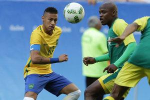 V prvom zápase Brazílie na turnaji sa strelecky nepresadil ani hviezdny Neymar Jr. (vľavo).