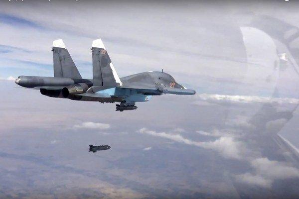 Ruská stíhačka nad Sýriou.