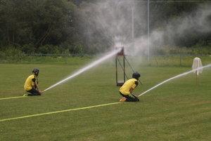 Zmerali si sily v hasičskom športe.
