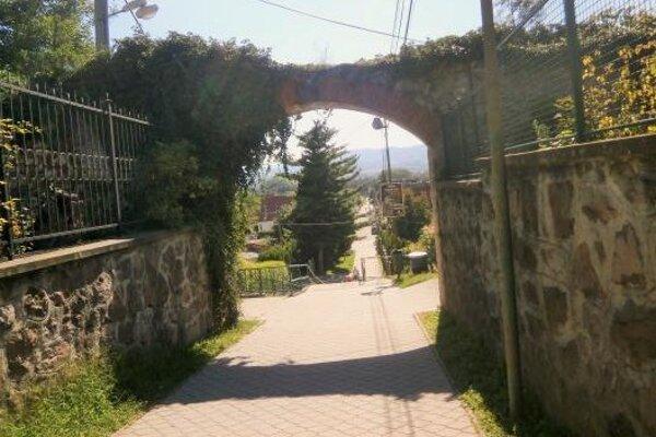 Prechod pre chodcov a cyklistov od centra Bojníc smerom na Prievidzu je do 12. augusta uzavretý.