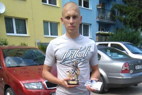 Róbert Petruš krátko po prevzatí ceny.
