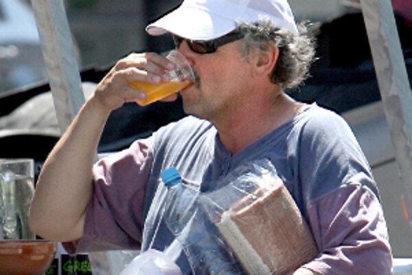 Počas horúčav by sme nemali zabúdať na pitný režim.