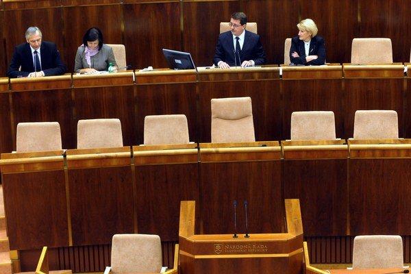 Ktorí zástupcovia samospráv obsadia aj parlamentné lavice uvidíme v marci.