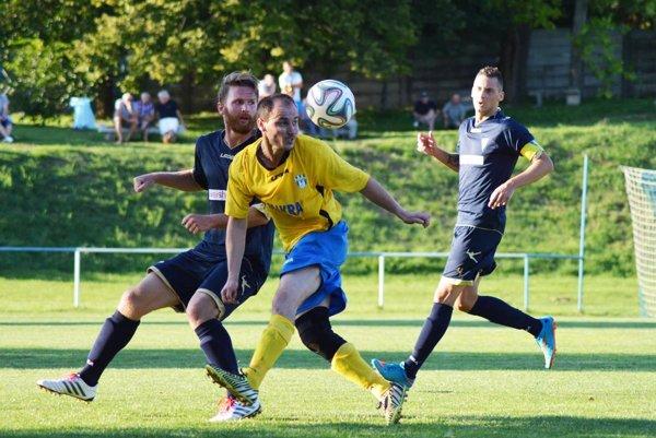 Nevidzany začali sezónu víťazstvom na ihrisku Veľkého Zálužia.