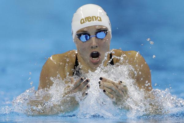 Katinka Hosszúová pláva za olympijským rekordom vo finále na 200 metrov polohové preteky na OH 2016 v Riu de Janeiro.