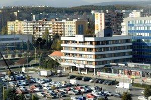 Terasa, mestská časť Košíc. Okrem budovy magistrátu (Biely dom) možno na sídlisku najmenej desiatku zaujímavých sôch a plastík.