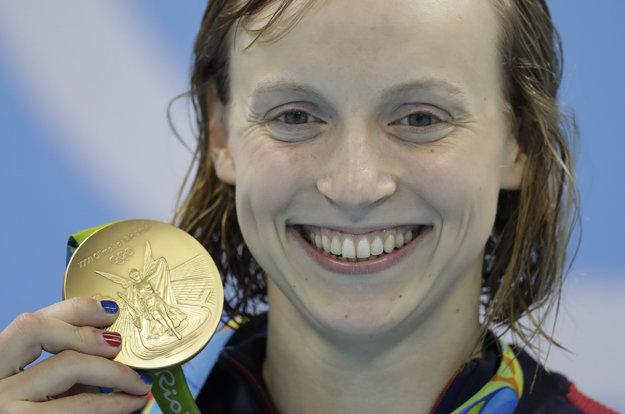Katie Ledecká zbiera v Riu zlaté medaily ako na bežiacom páse.