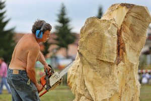 Festival obohatila aj výroba drevorezieb.