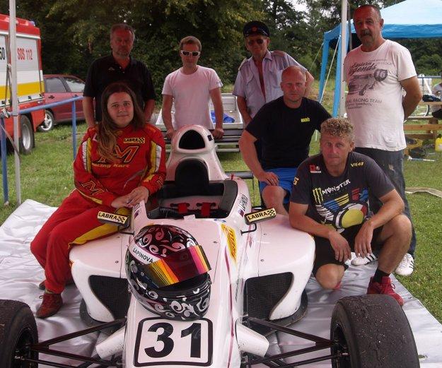 Branislava so svojim tímom